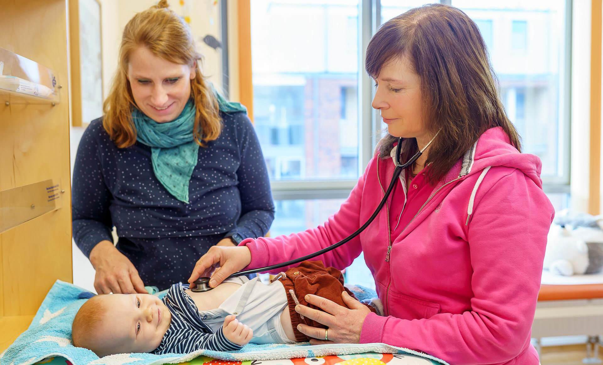 Kinderarztpraxis Karstens Behandlung
