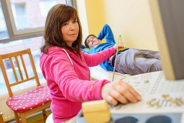 Kinderpraxis Karstens Behandlung Ultraschall